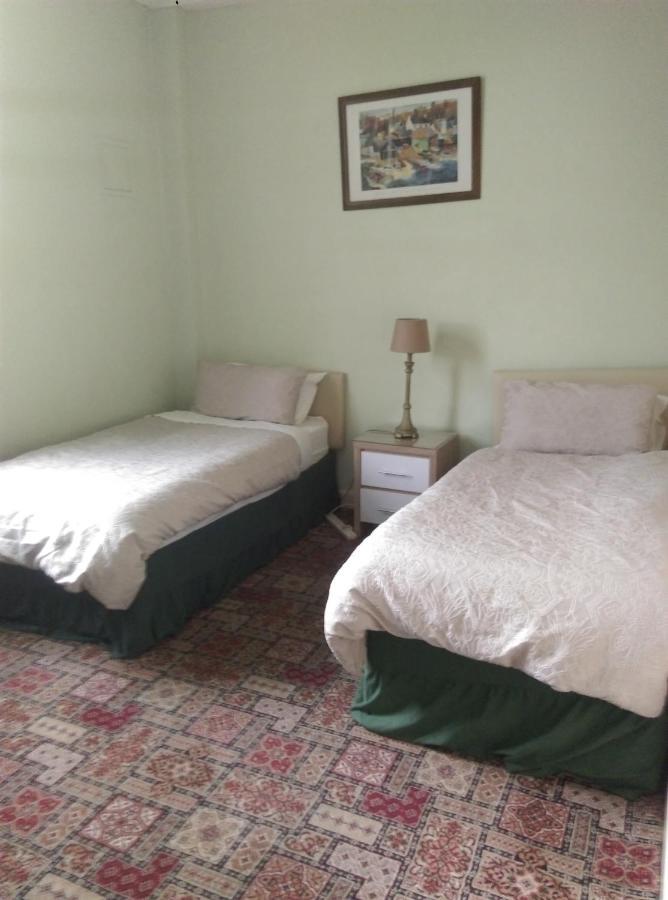 New Beehive Inn - Laterooms