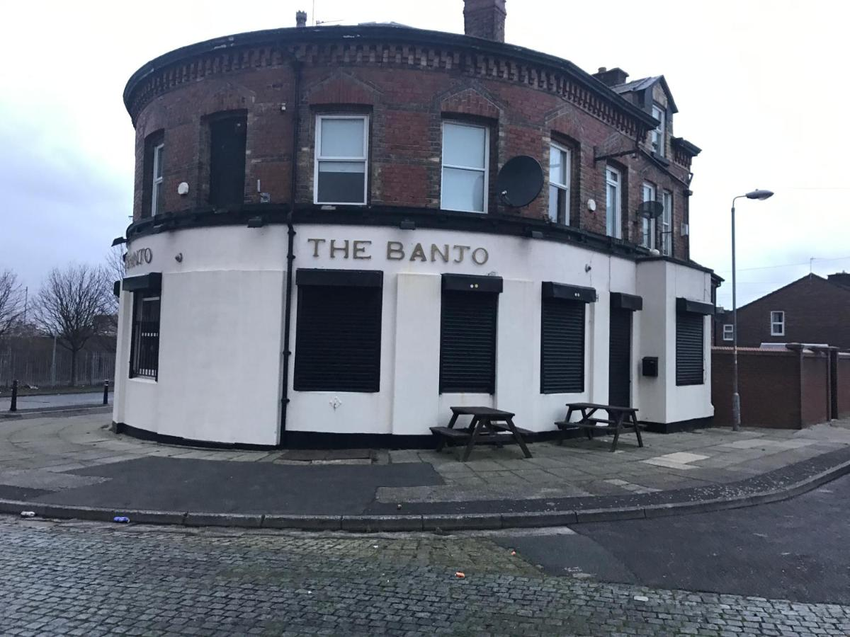 The Banjo - Laterooms