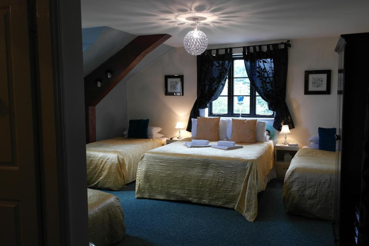 The Crown Lodge & Restaurant - Laterooms
