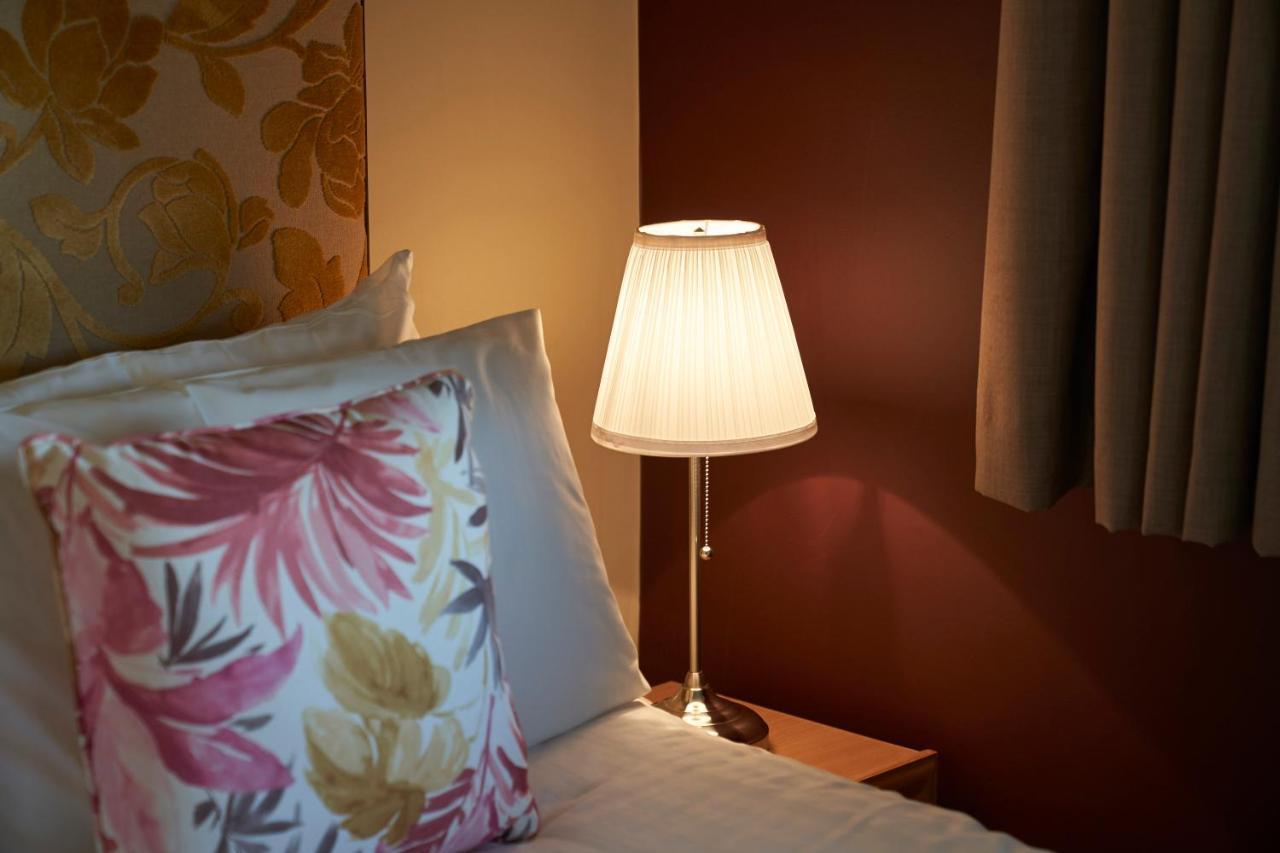 Antoinette Hotel Wimbledon - Laterooms