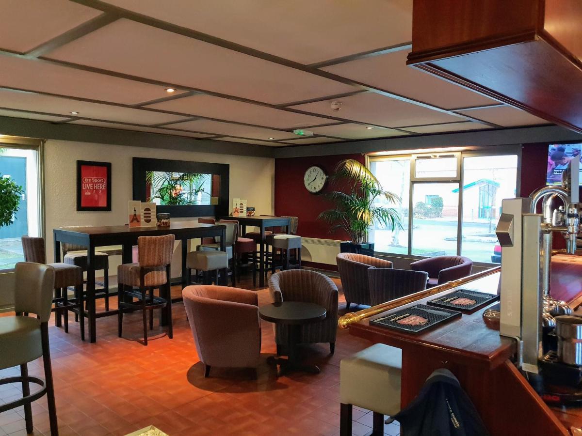 Campanile Hotel - Laterooms