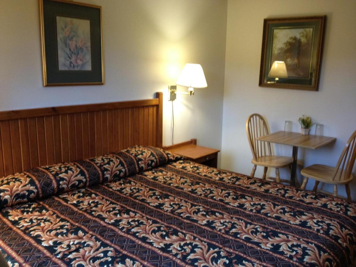 Cedar Springs Motel - Laterooms