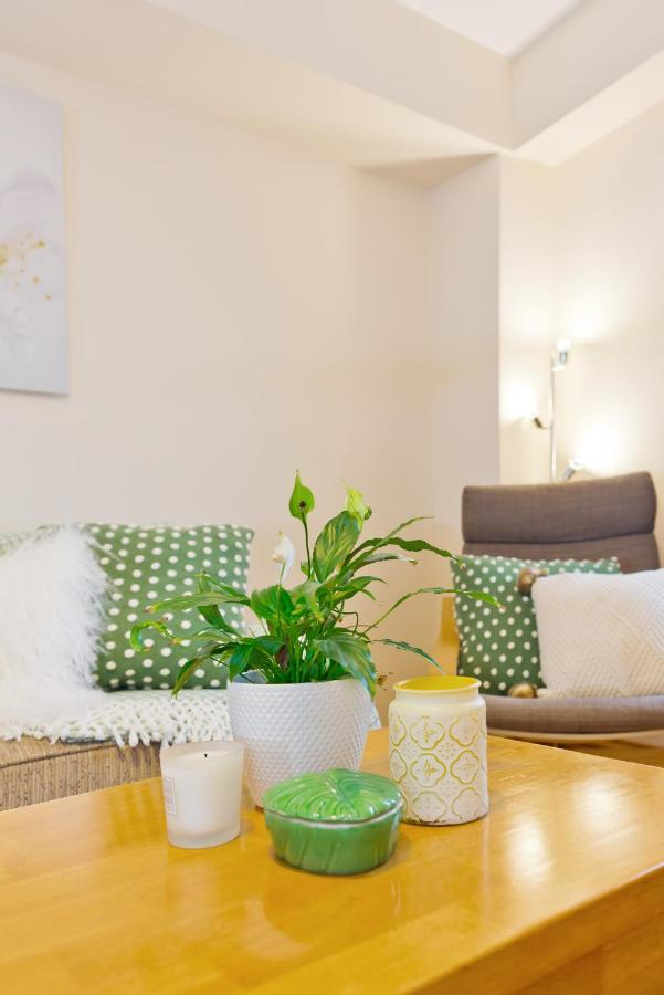 The Five Lamps Suites - Laterooms
