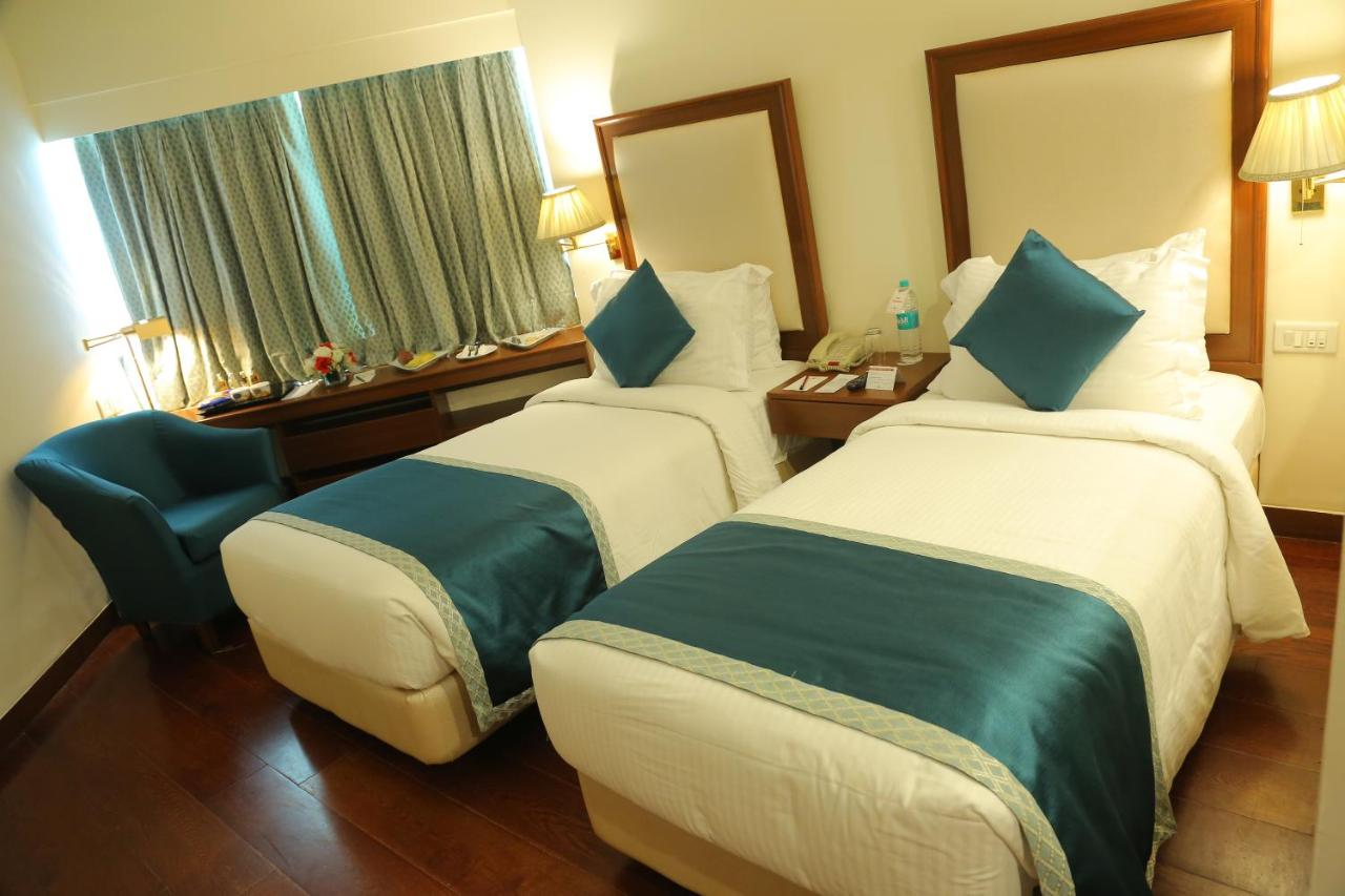 The Royal Plaza - Laterooms