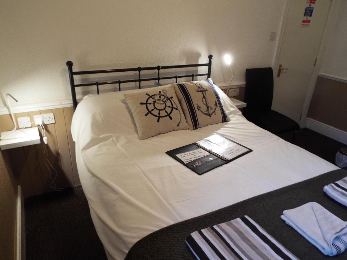 Crescent House Hotel - Laterooms