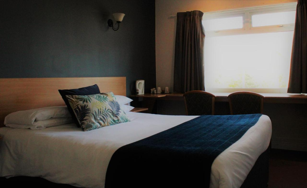 The Town & Country Lodge - Laterooms