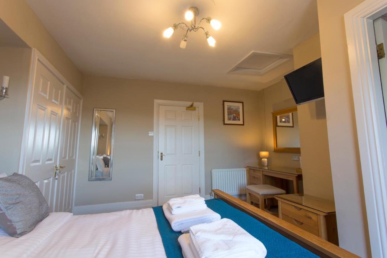 Wheatsheaf Hotel - Laterooms