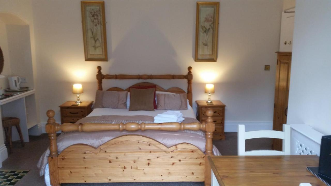 Rylstone Mere - Laterooms