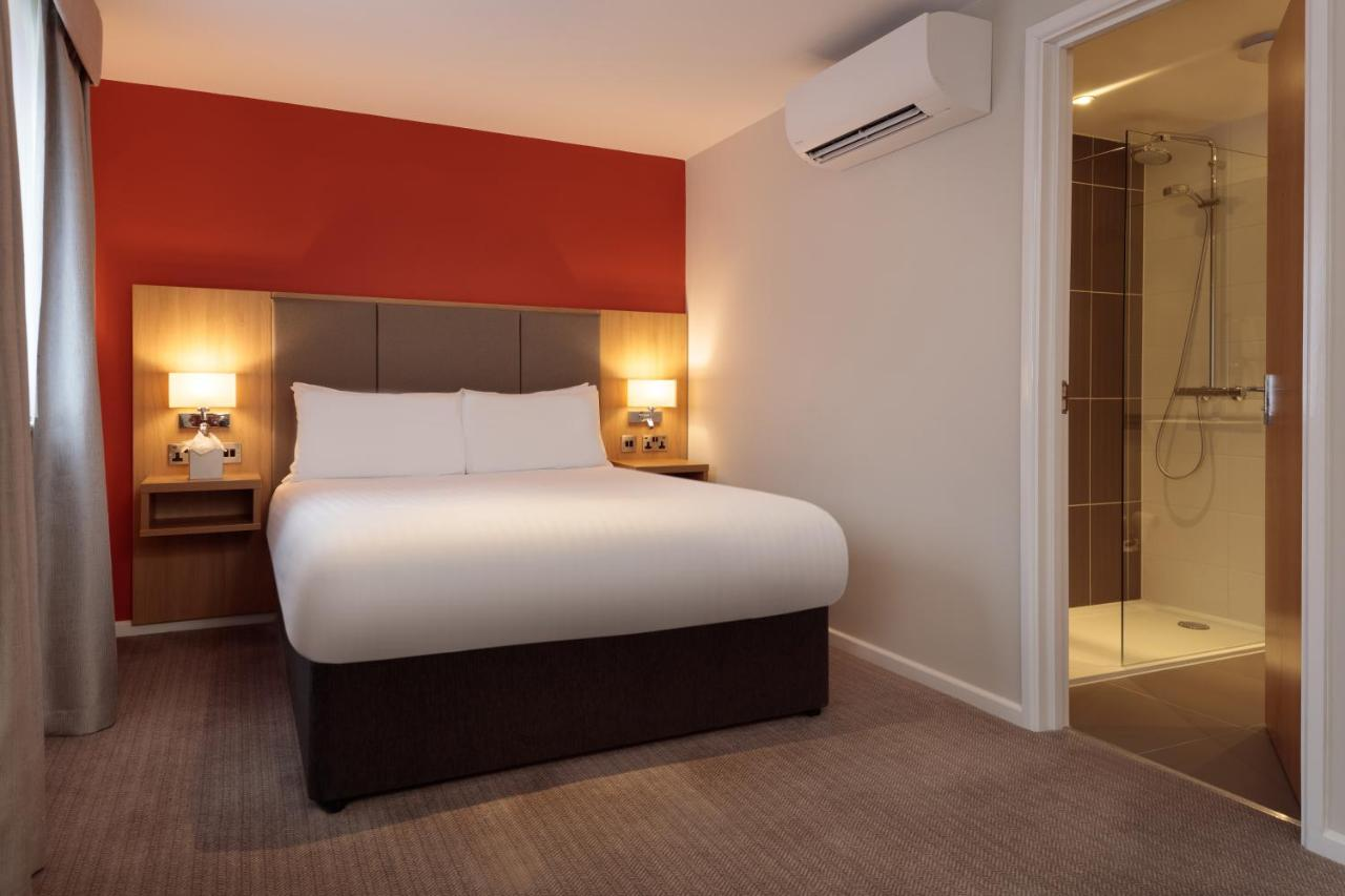 Oxford Witney Four Pillars Hotel - Laterooms