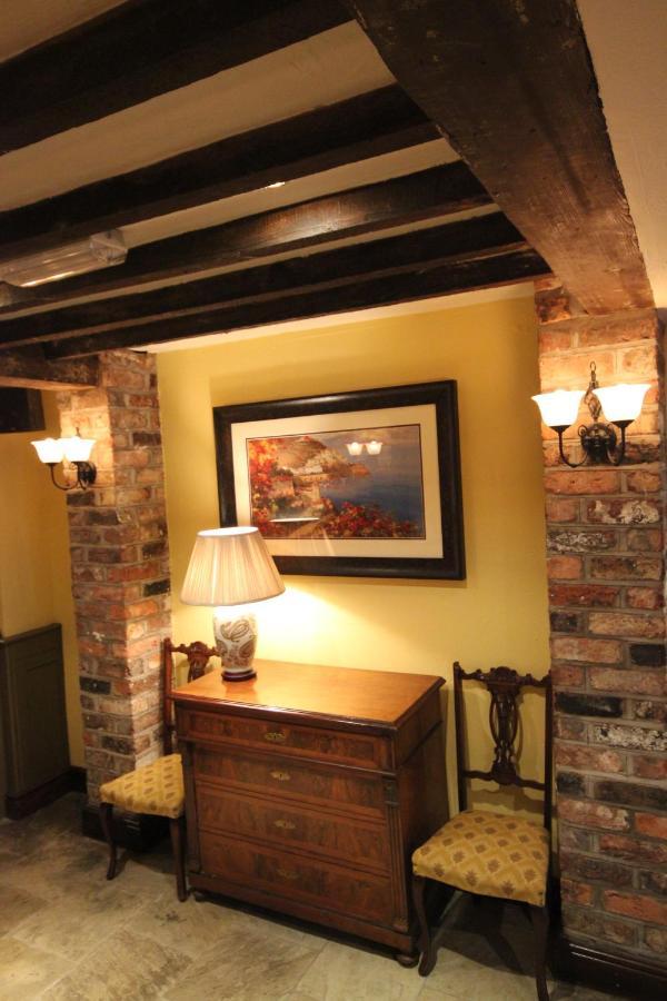 Dibbinsdale Inn - Laterooms