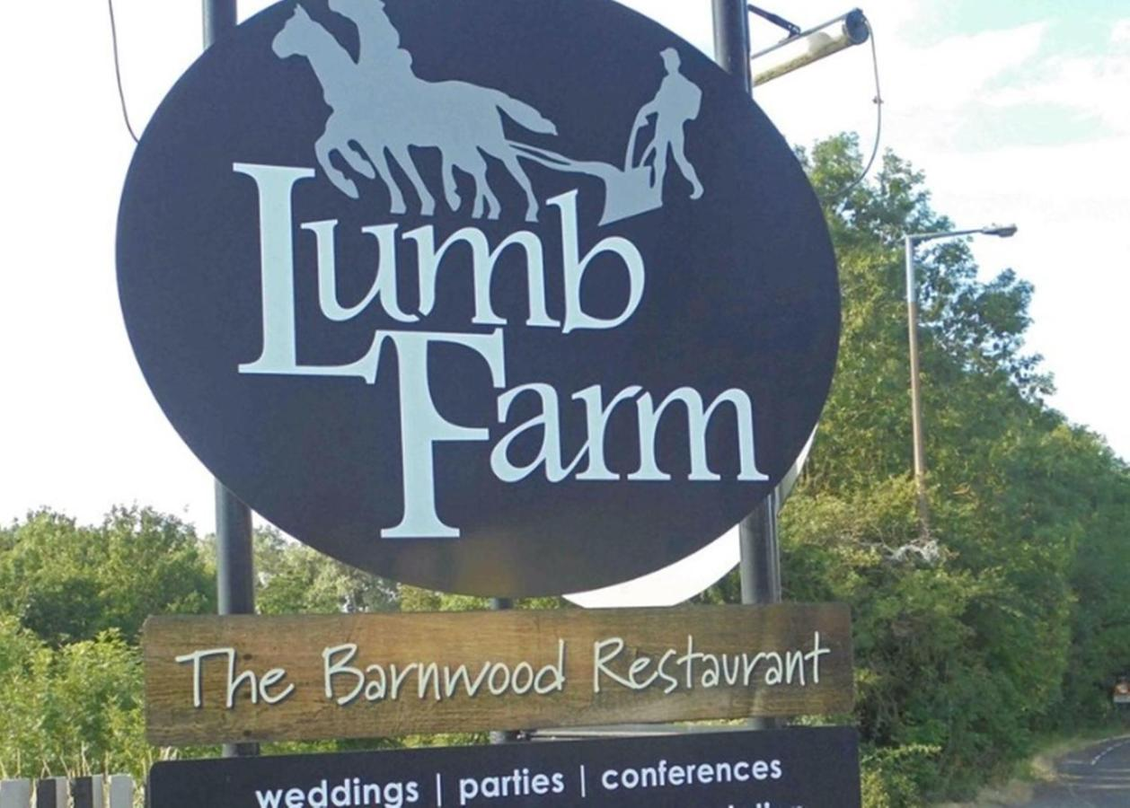 Lumb Farm Country Club - Laterooms