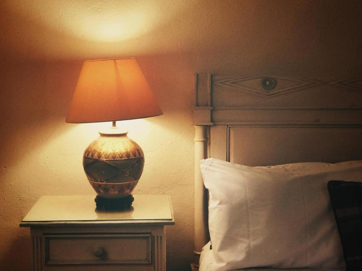 Walsh's Hotel - Laterooms