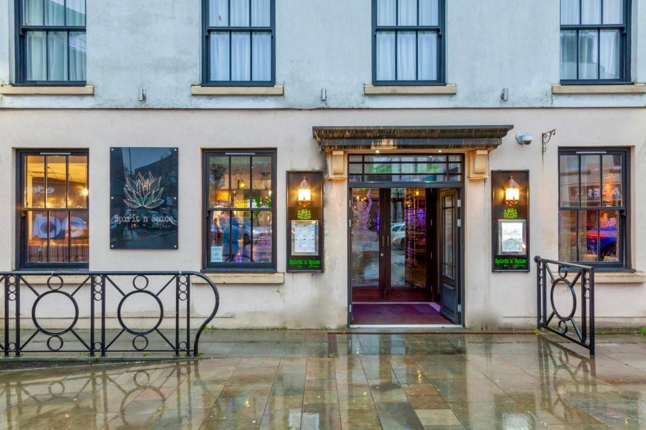 The BlueBell Hotel - Laterooms