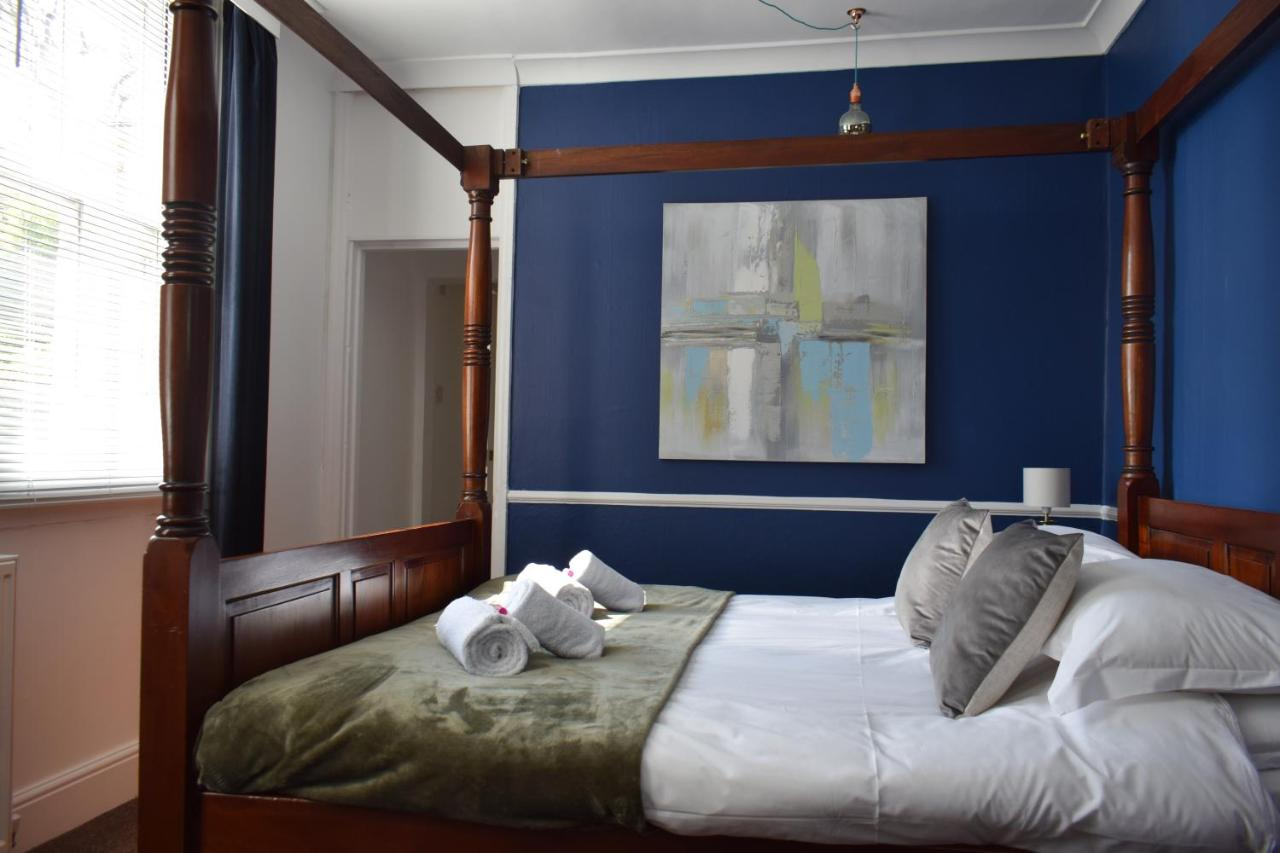 Number 14 Guest House - Laterooms