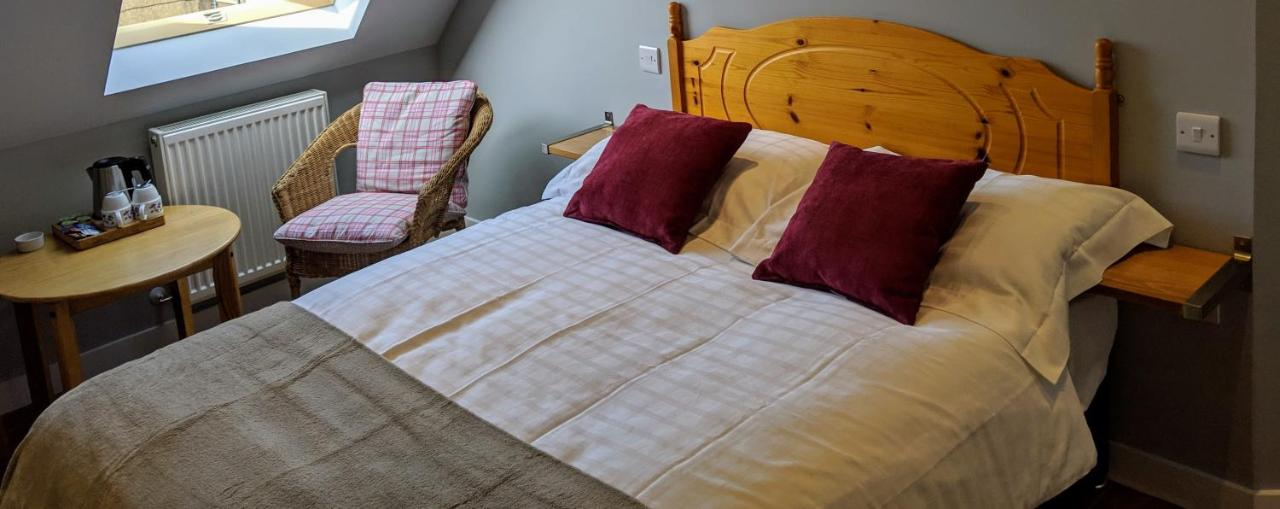 Falcon Crest Guest House - Laterooms