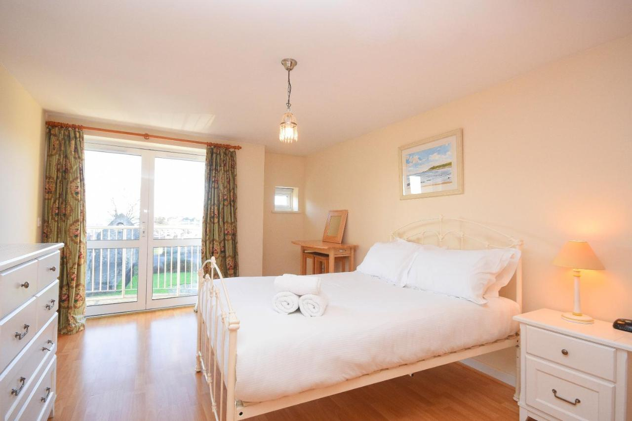 Town or Country - The Greenwich - Laterooms