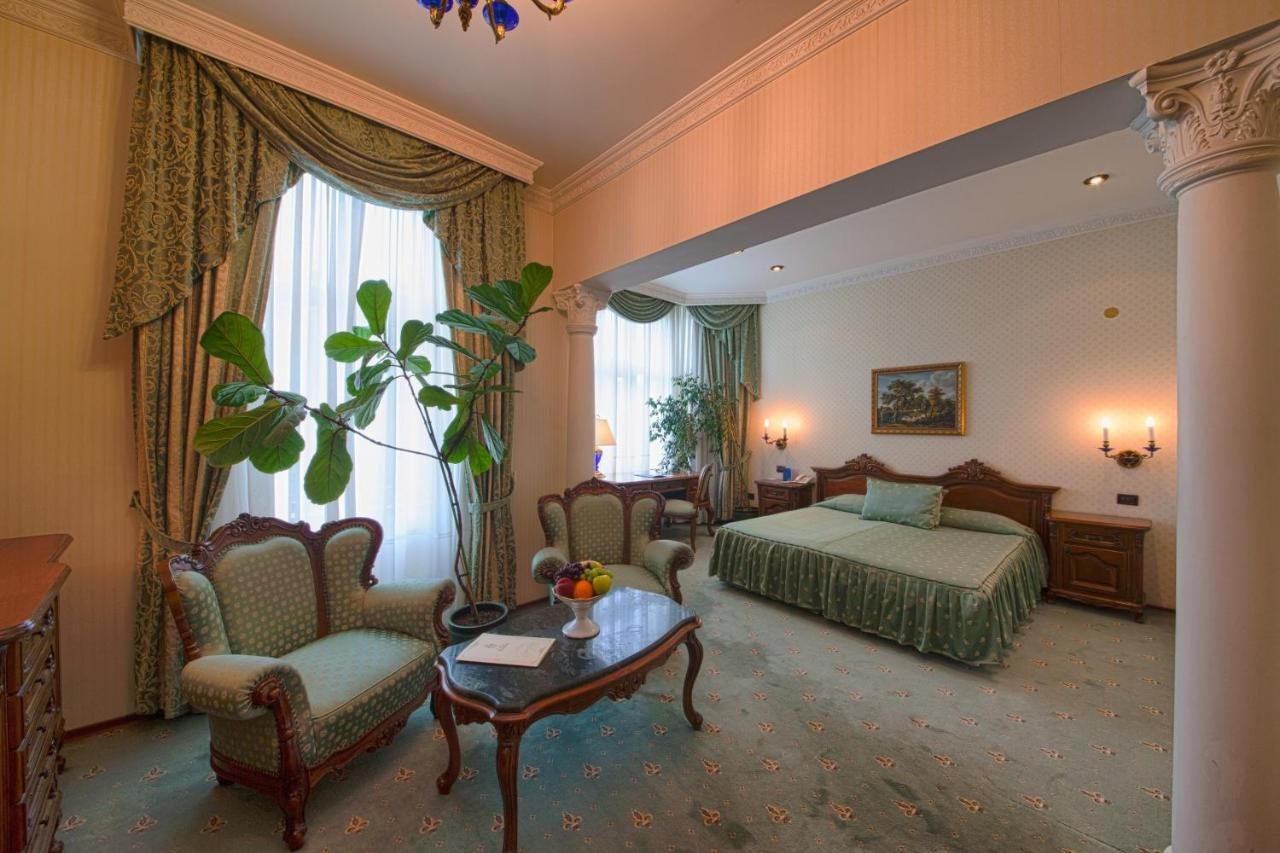 Grand Hotel London - Laterooms