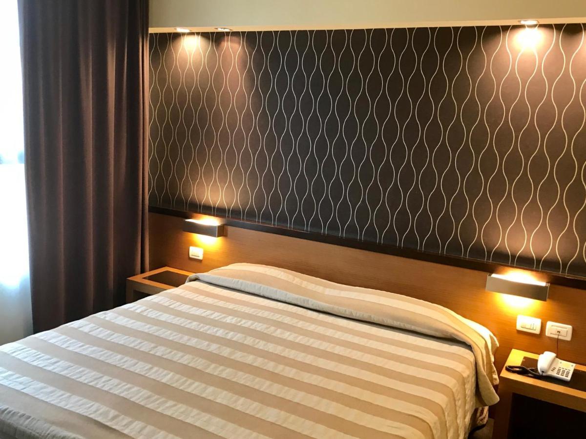 Hc3 Hotel - Laterooms