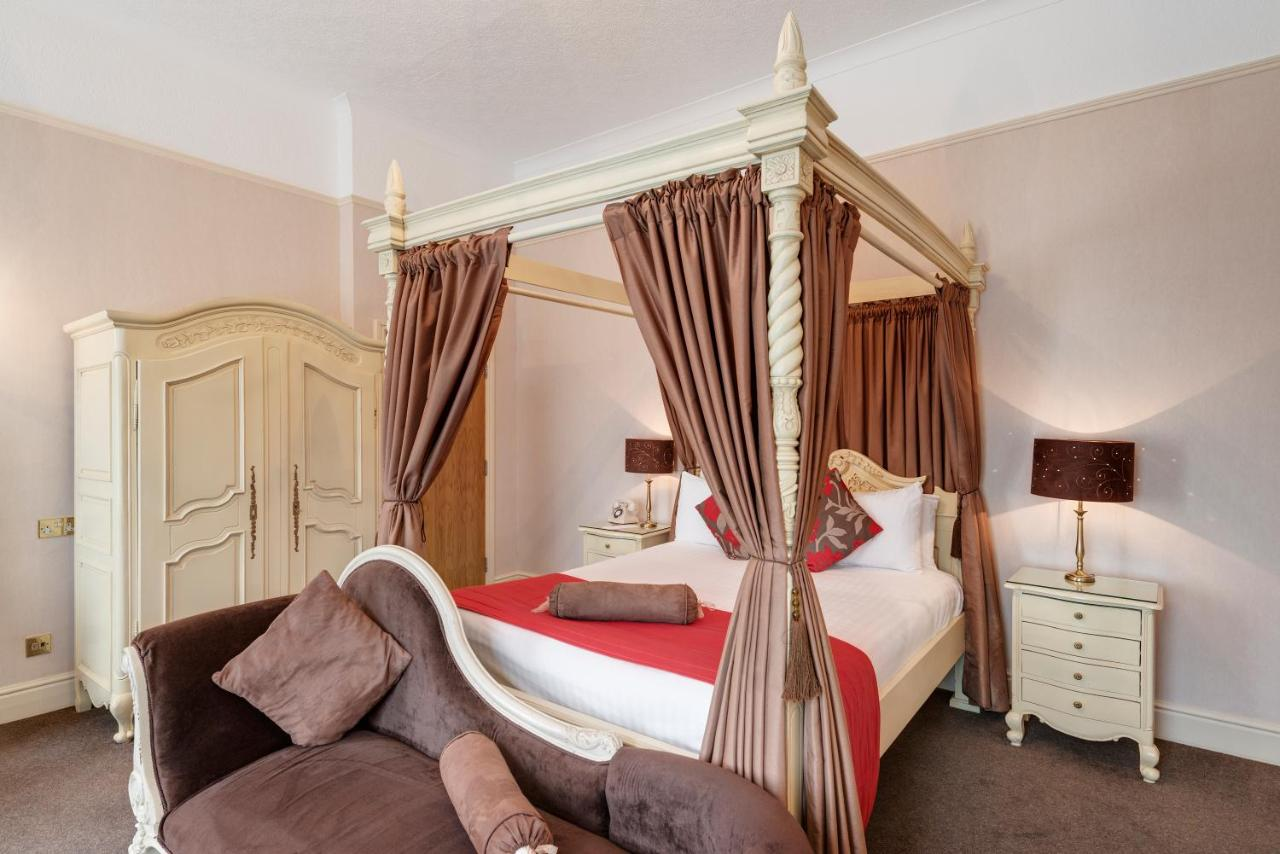 The New Continental Hotel - Laterooms