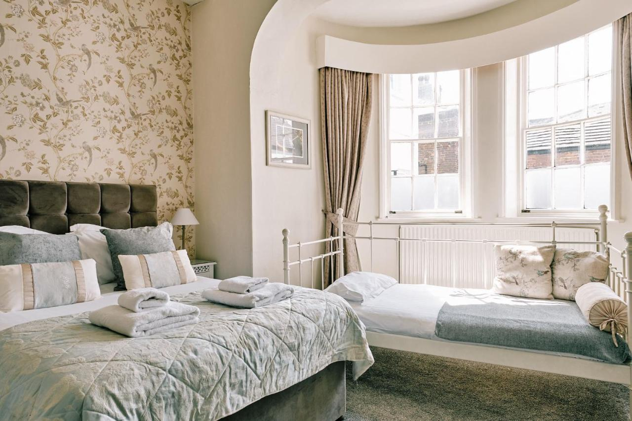 The Queens Hotel - Laterooms