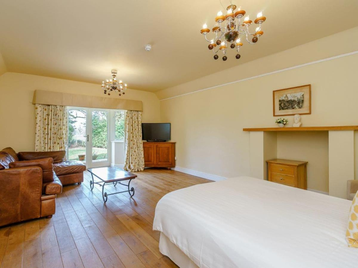 The Kingsley at Eversley - Laterooms