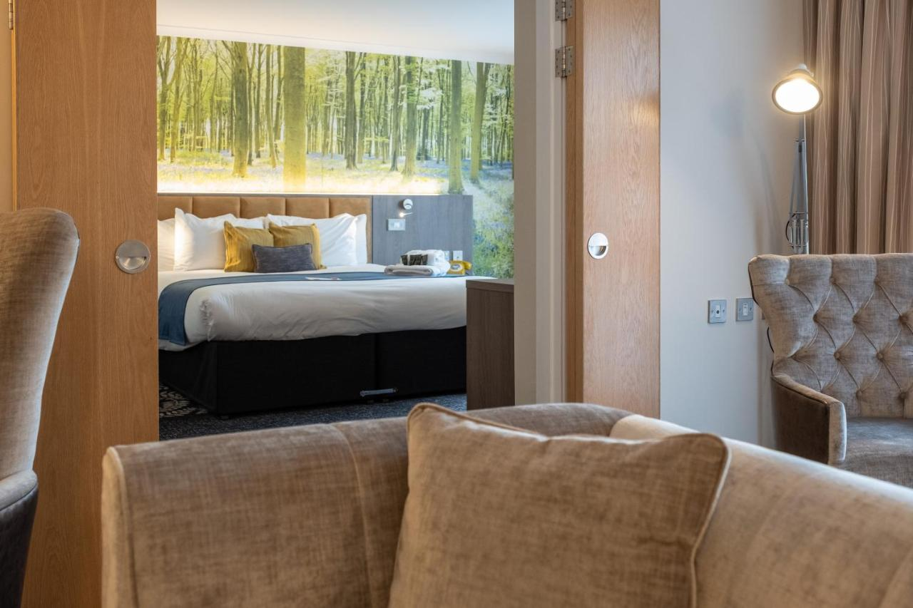 Burleigh Court Hotel and Leisure - Laterooms