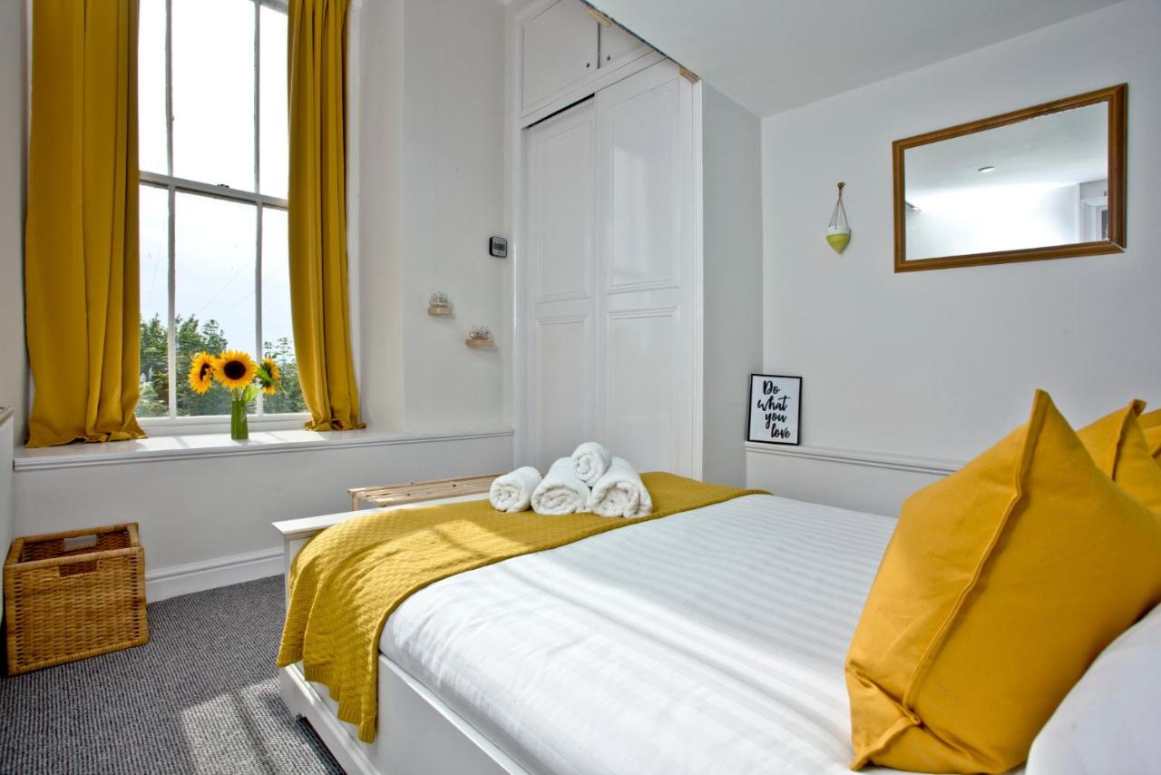 Plymouth Serviced & Holiday Apartment- Royal William Marina - Laterooms