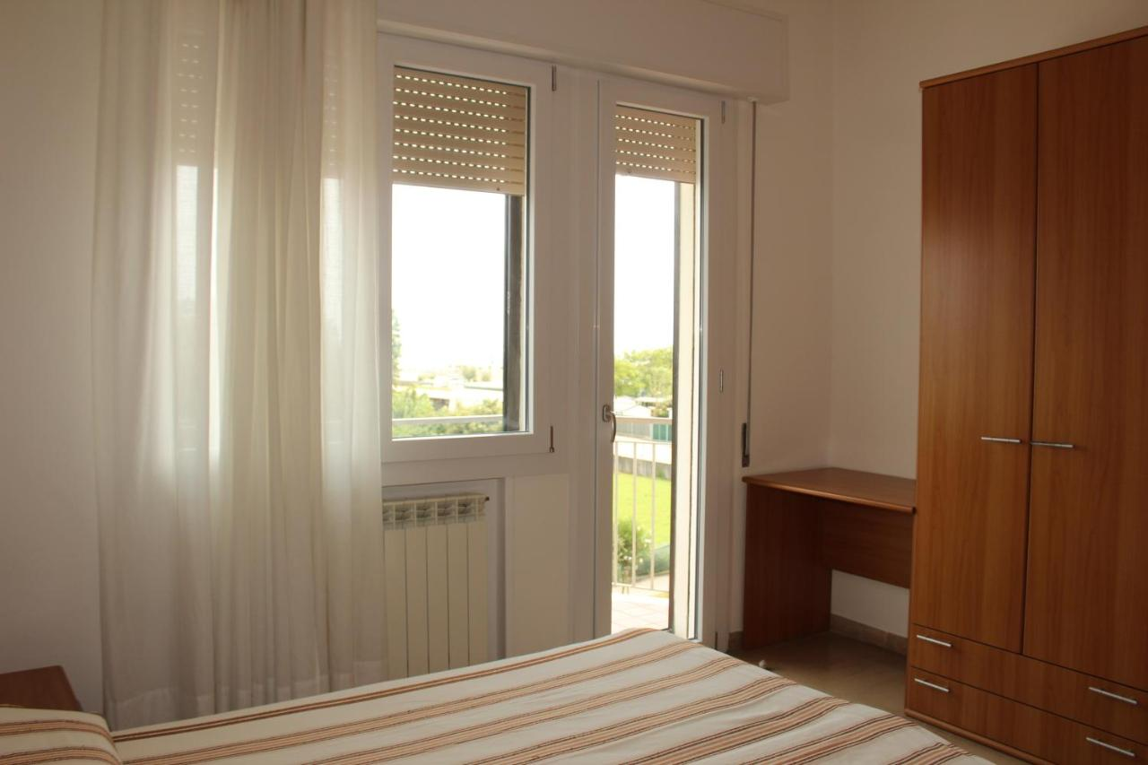 HOTEL CARAVEL - Laterooms