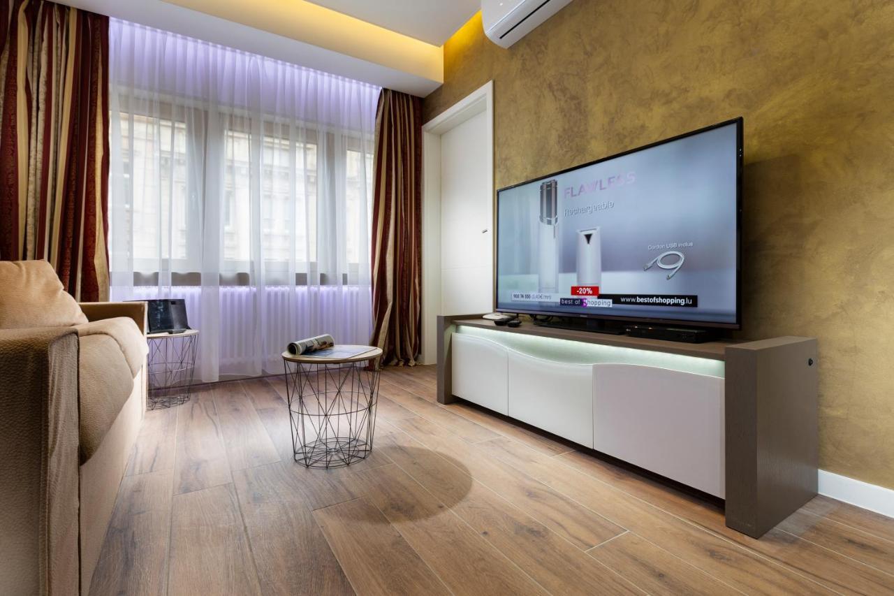The Queen Luxury Apartments - Villa Carlotta - Laterooms