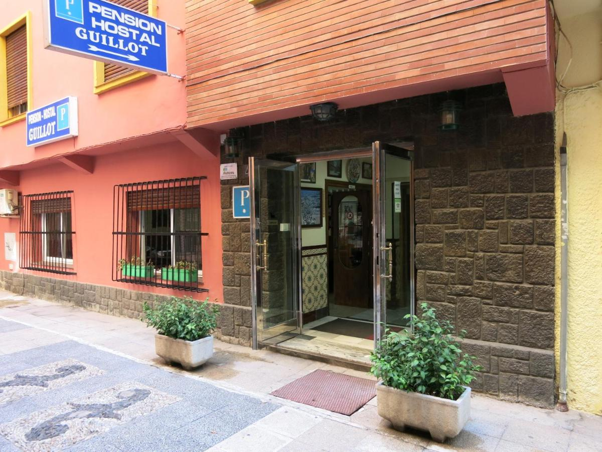 Hostal Guillot - Laterooms