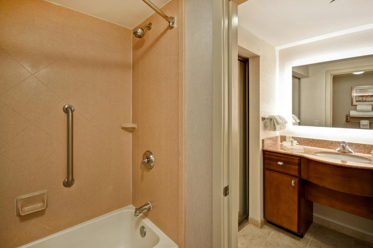 Homewood Suites by Hilton® Dover - Laterooms