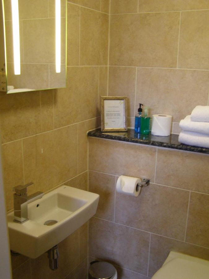 The Garden Court Guest House - Laterooms