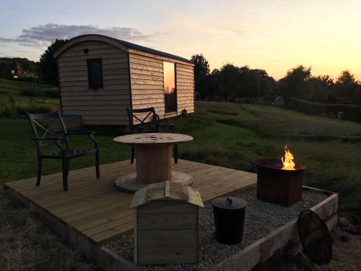 Slades Farm Leisure - Laterooms