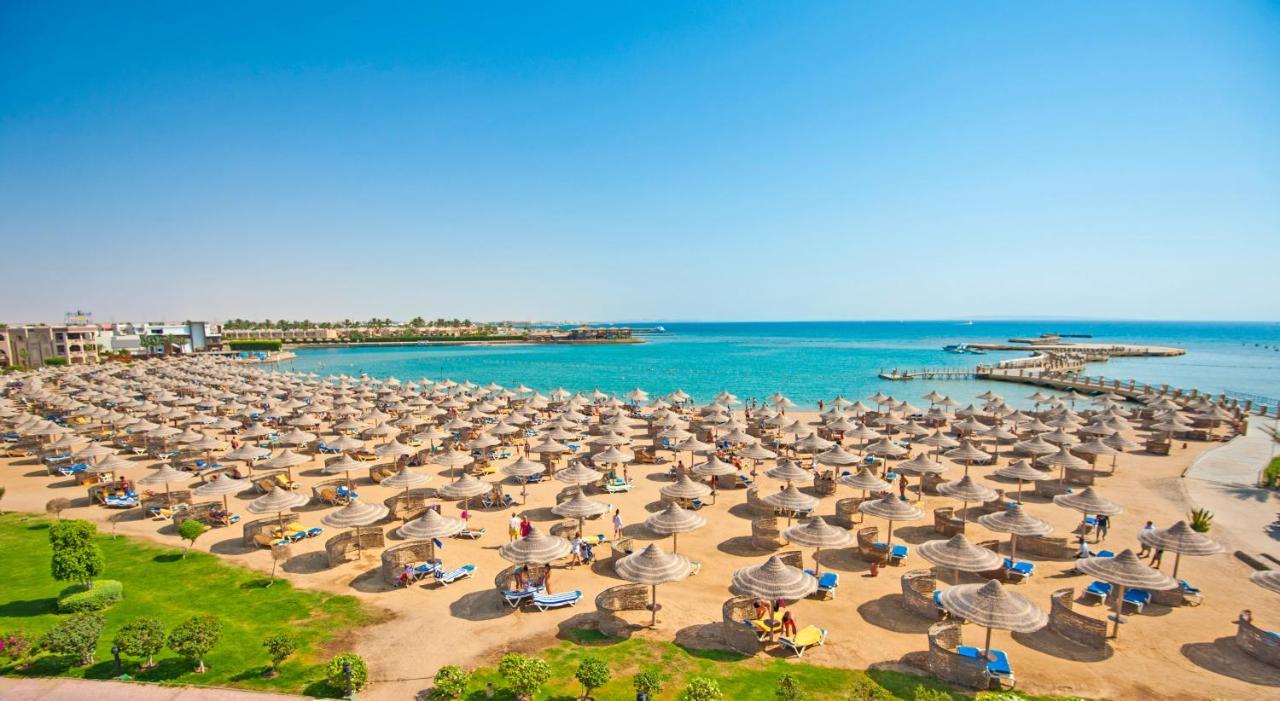 Despre destinatia Hurghada de Revelion. Ponturi calatorie Hurghada. Plaje din Hurghada de la hotelul Sentido Mamlouk.