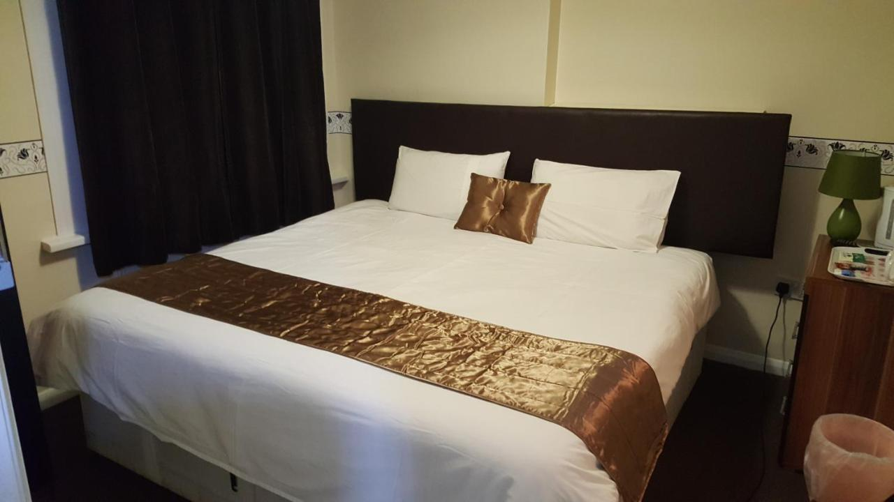 Portsmouth Inns - Laterooms