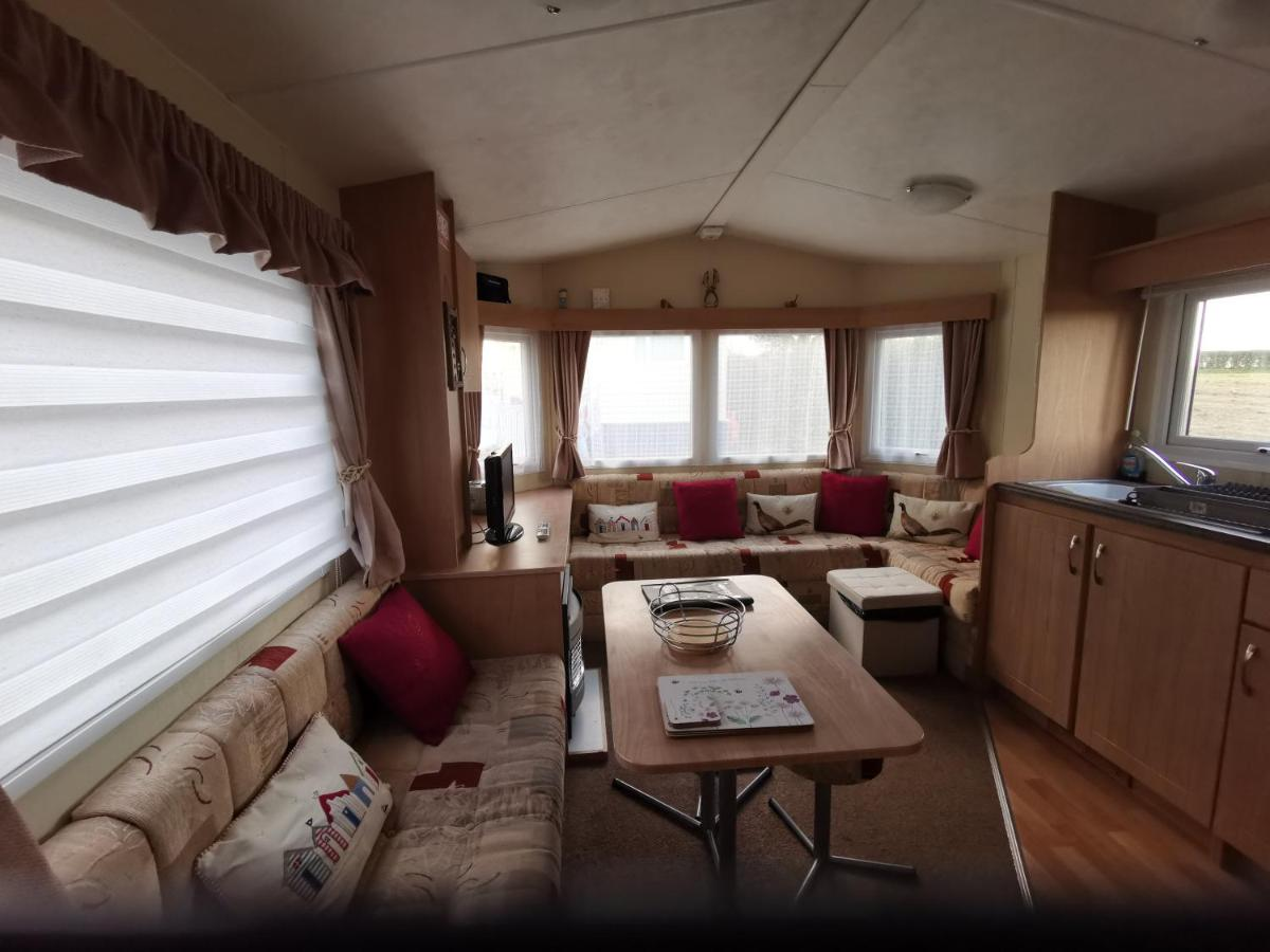 sunnycott caravan park - Laterooms