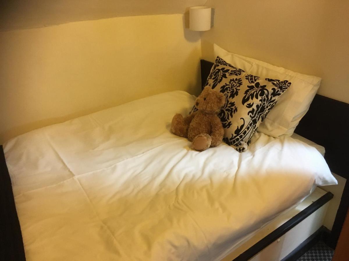Avon Accommodation - Laterooms