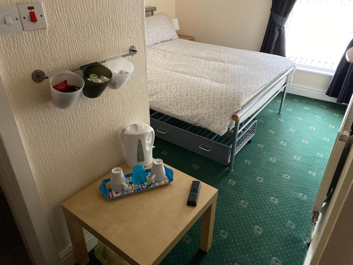 Kingsway Hotel - Laterooms