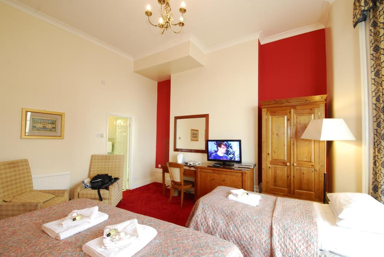 The Royal Pavilion Townhouse Hotel - Laterooms