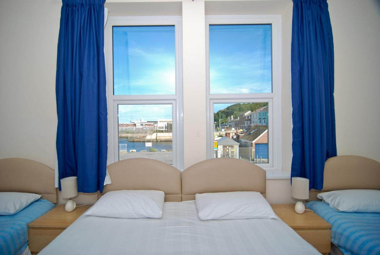 The Royal Breakwater - Laterooms