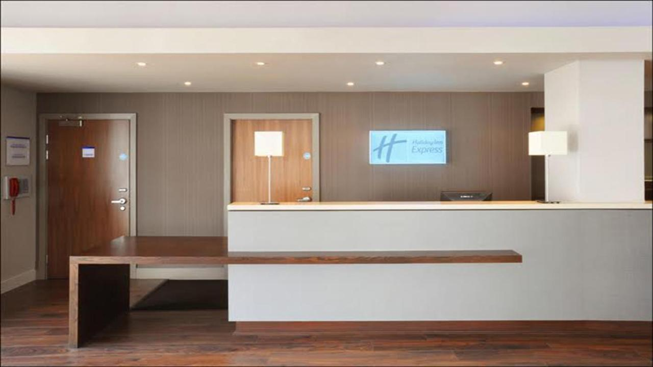 Holiday Inn Express LIVERPOOL - HOYLAKE - Laterooms