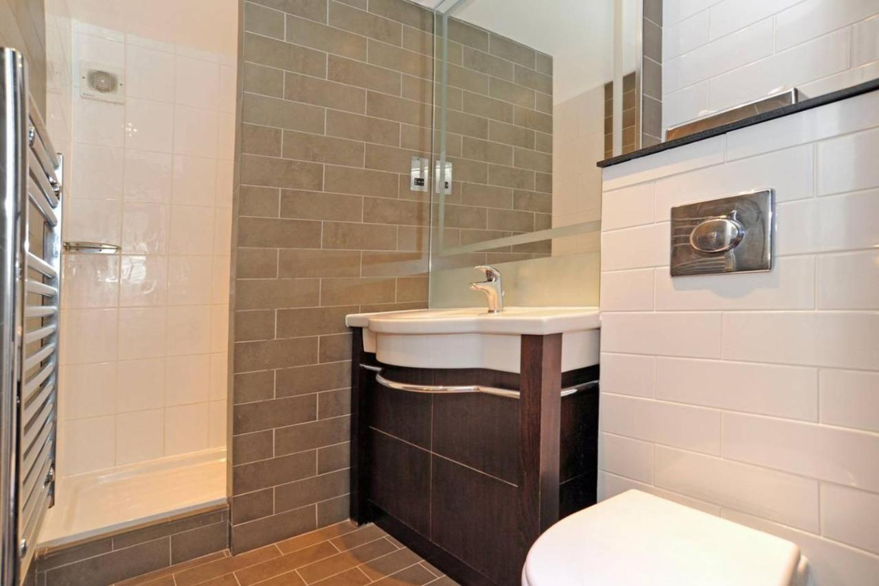 Holiday Inn Express CREWE - Laterooms