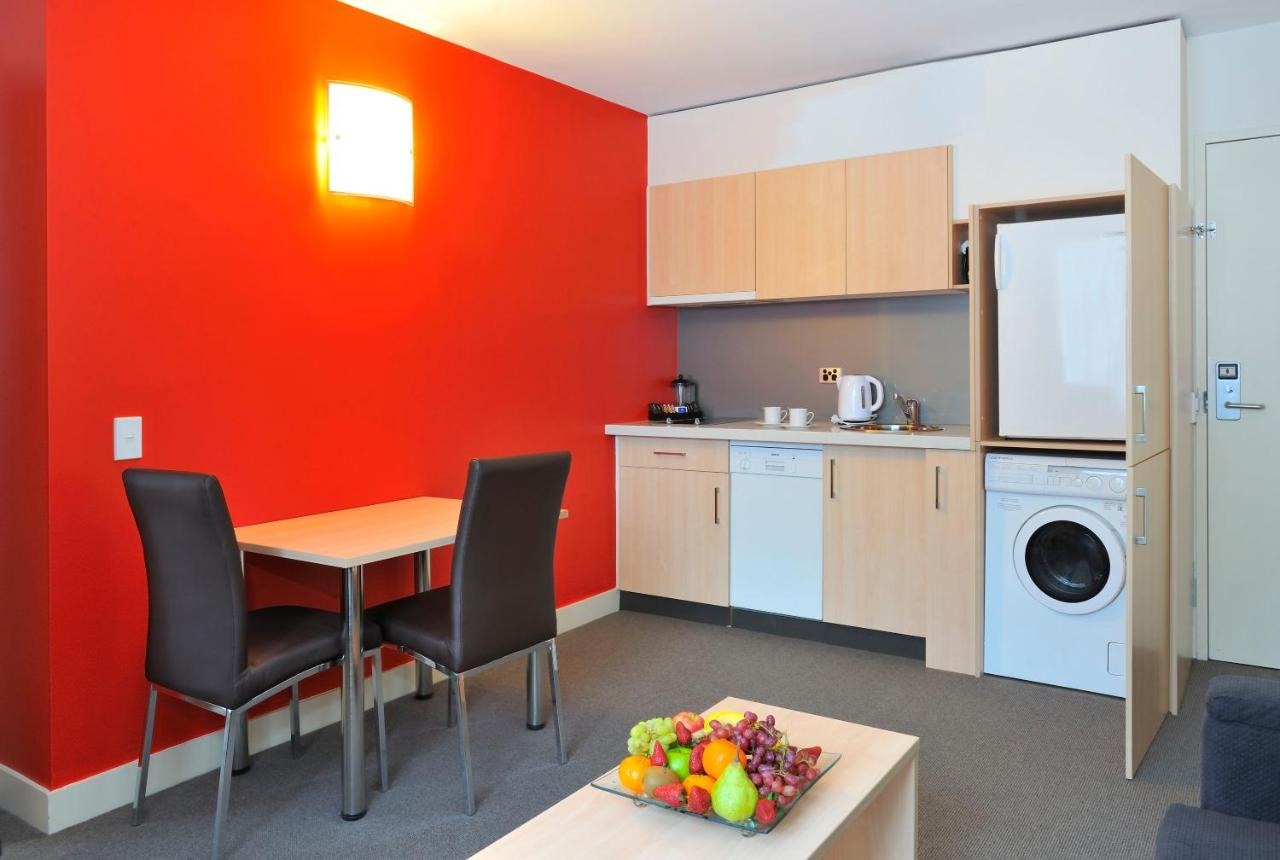 Metro Apartments on Bank Place - Laterooms