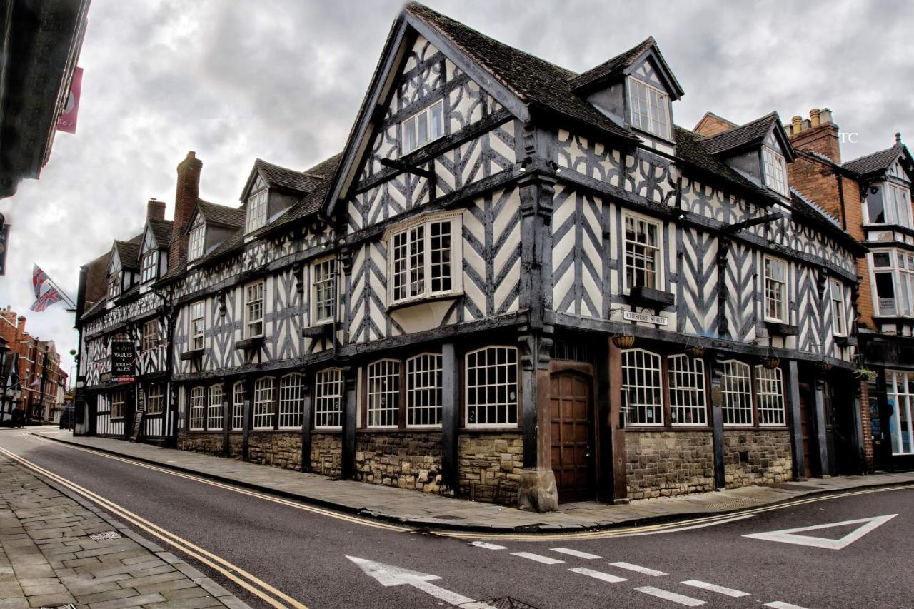 Tudor House Hotel - Laterooms