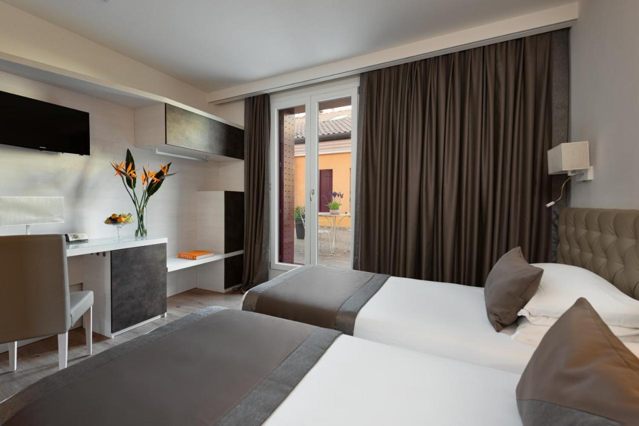 HOTEL VILLA COSTANZA - Laterooms
