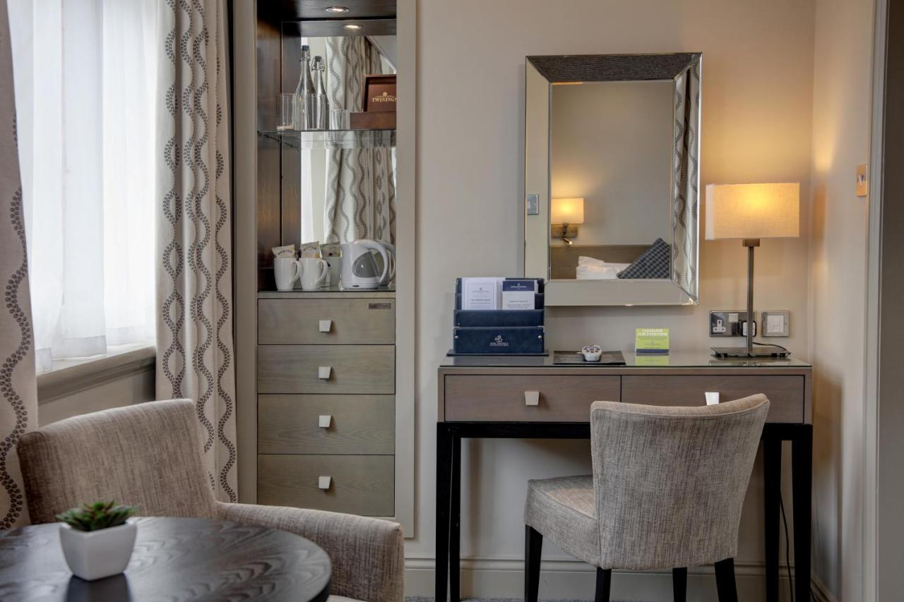 Crown & Mitre Hotel - Laterooms