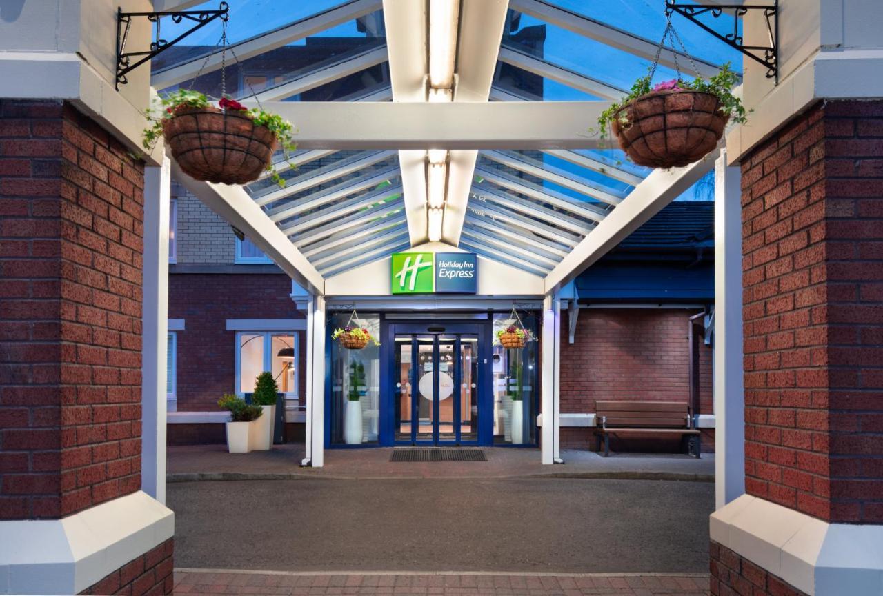 Holiday Inn Express STRATHCLYDE PARK M74, JCT.5 - Laterooms