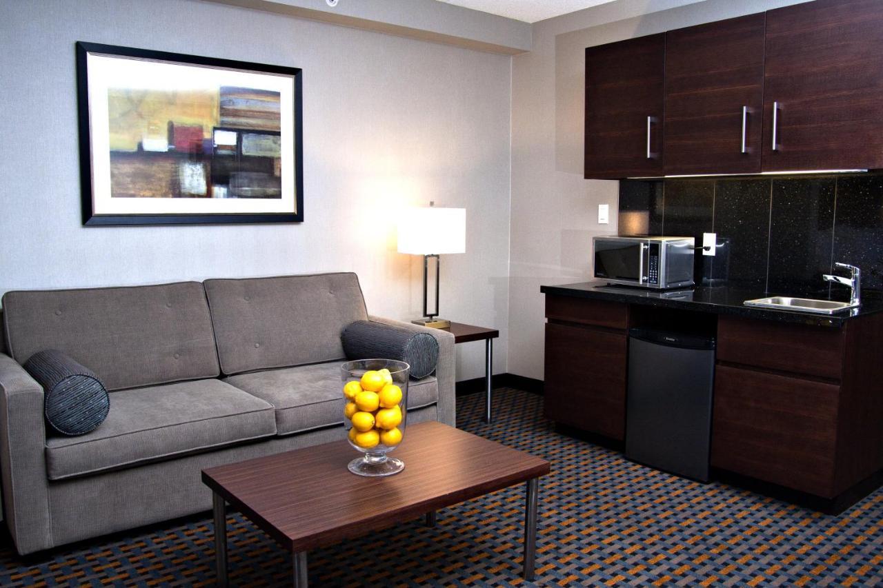 Holiday Inn Express PEMBROKE - Laterooms