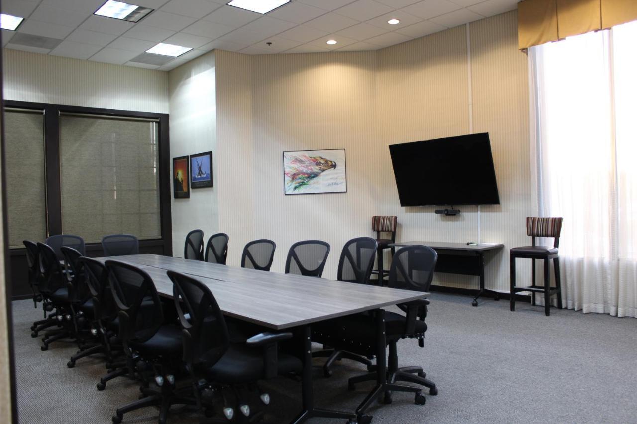 Holiday Inn Burbank-Media Center - Laterooms