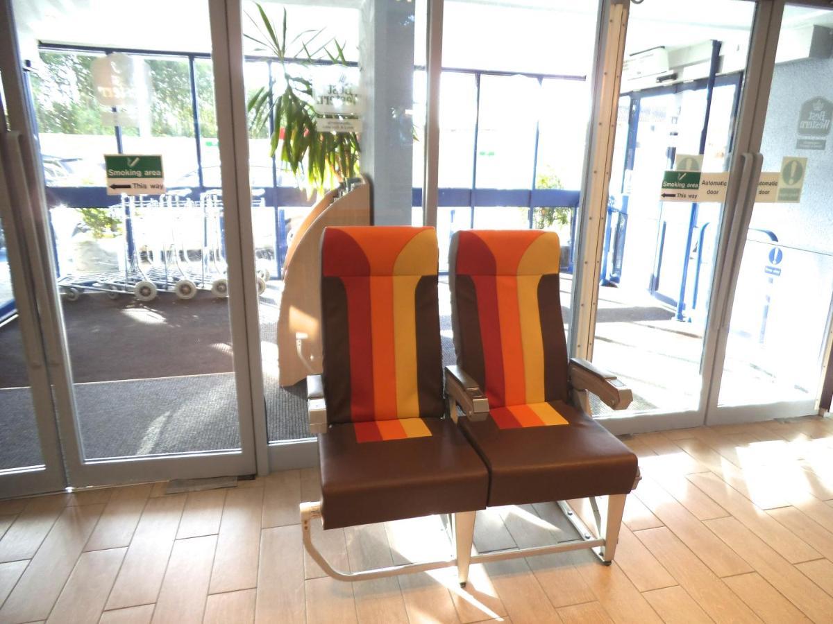Airport Inn Gatwick - Laterooms